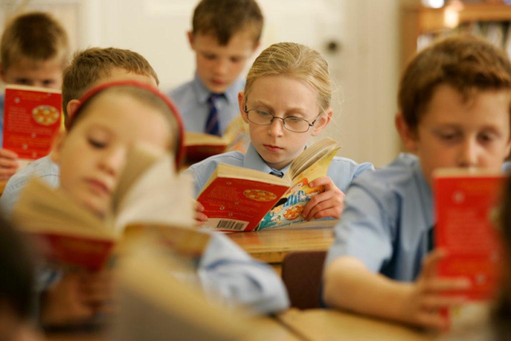 تعليم القراءة والكتابة