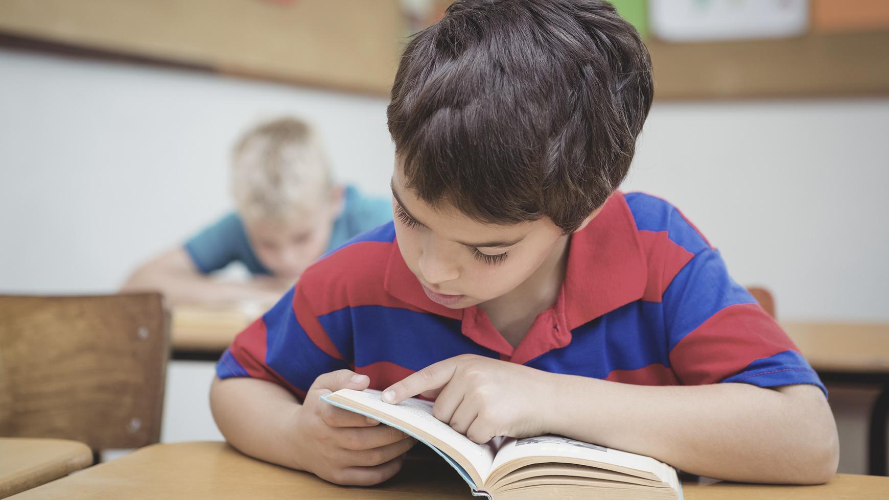 الرياضيات والعلوم والقراءة والكتابة
